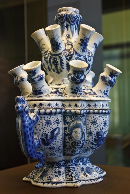 WLANL_-_MicheleLovesArt_-_Museum_Boijmans_Van_Beuningen_-_Tulpenvaas