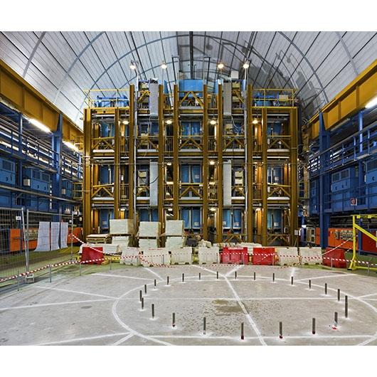 Colore, fotografia, architetture industriali: intervista a Luca Casonato