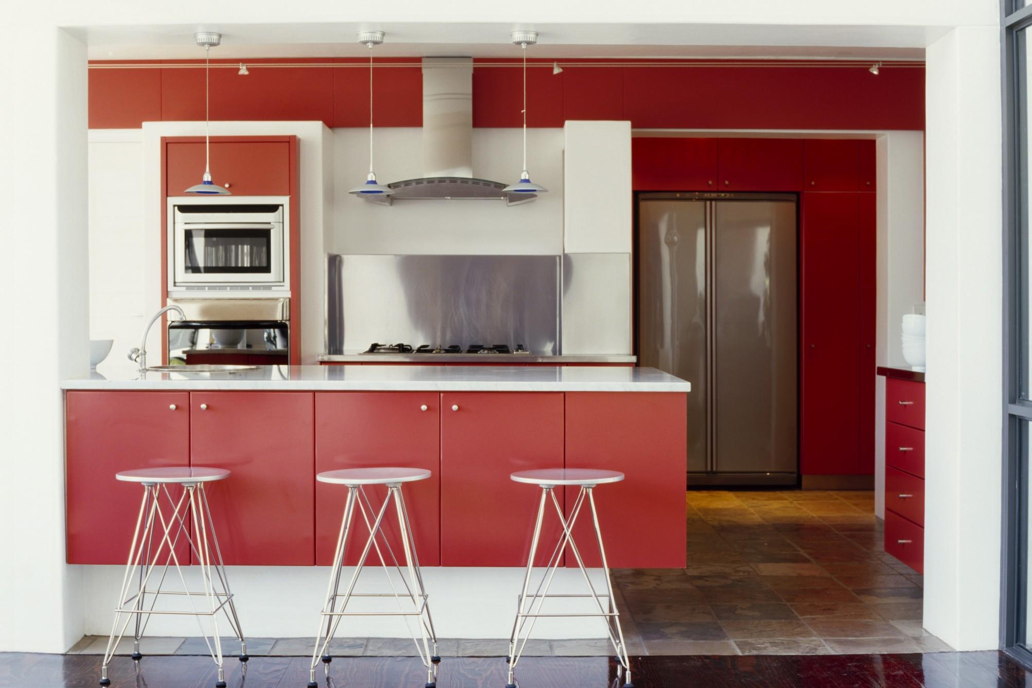 Arredare casa come scegliere il colore della cucina - Come pitturare i mobili della cucina ...