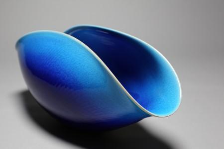 Un tuffo nel blu: le ceramiche di Yoshiro Kimura