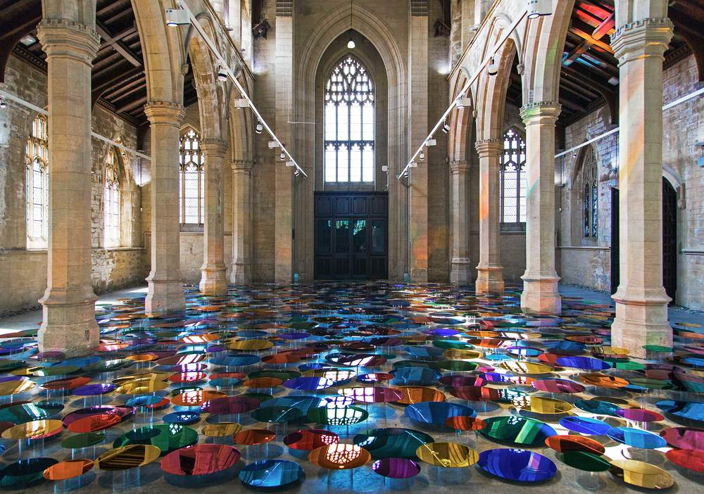 Colori luminosi: le installazioni di Liz West