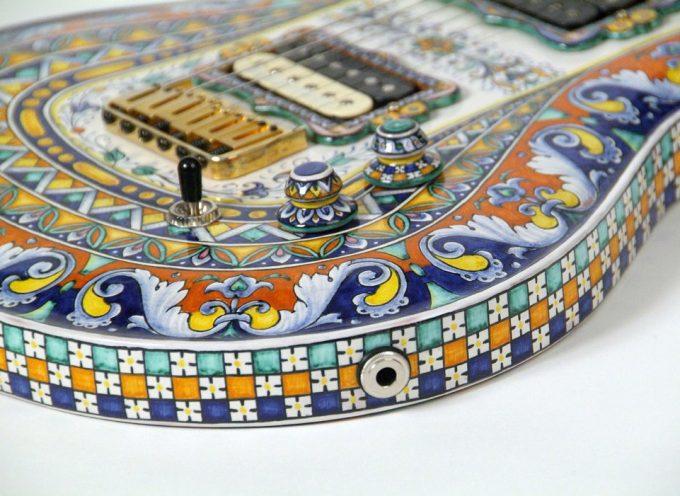 Le chitarre in ceramica di Giovanni Andreani