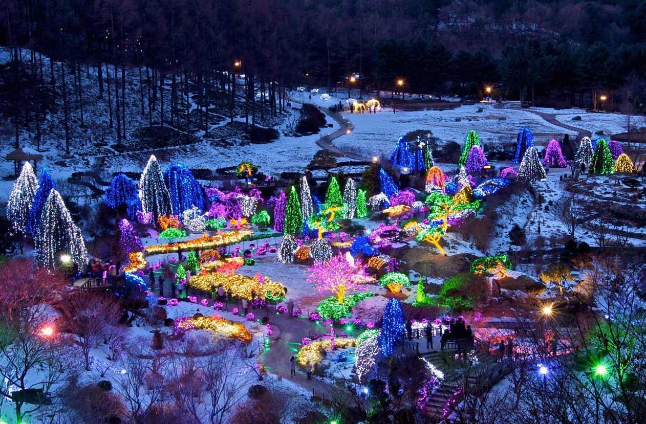 Natale: le luminarie più belle del mondo