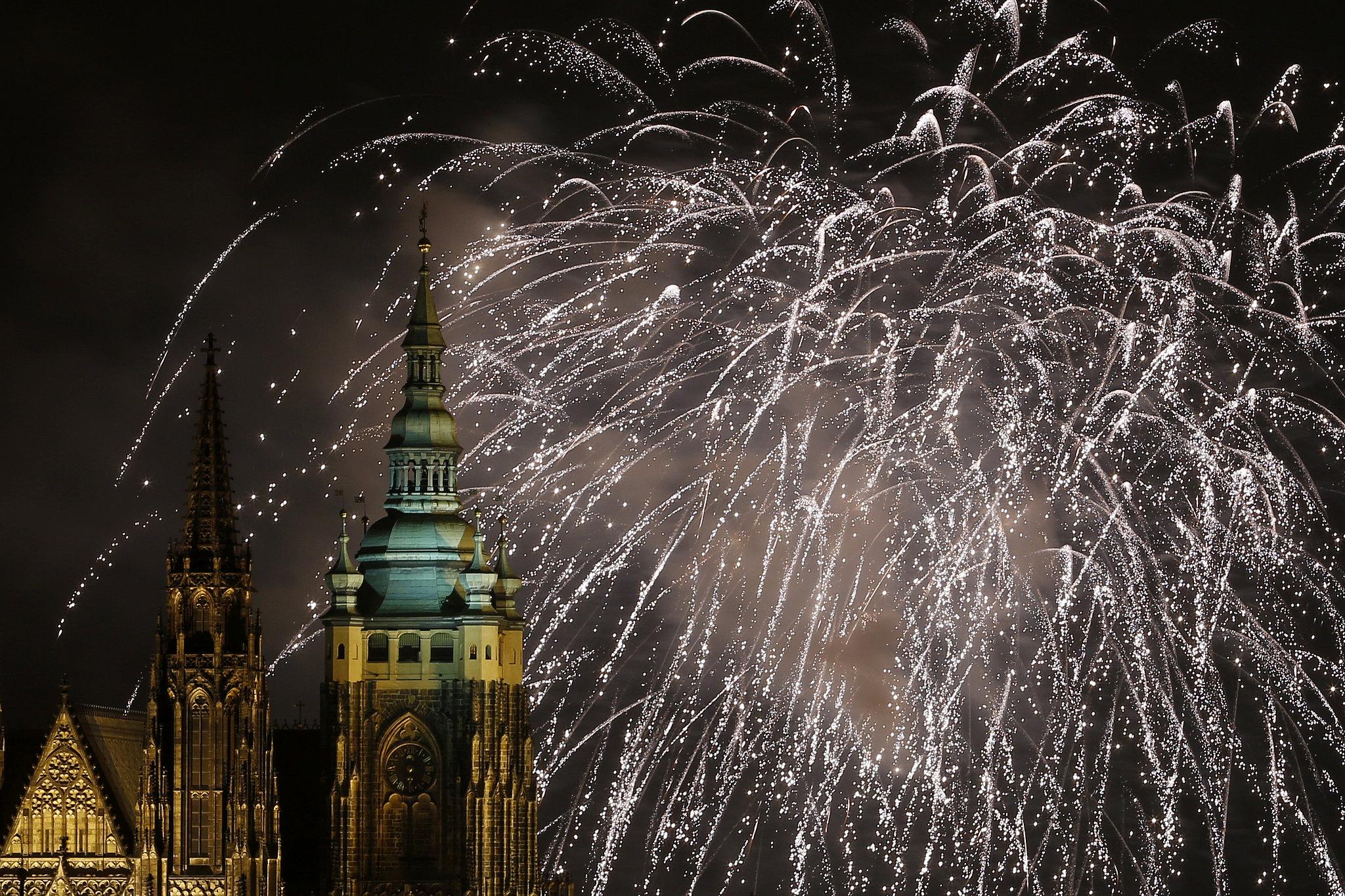 Capodanno: i fuochi d'artificio più belli del mondo - Praga