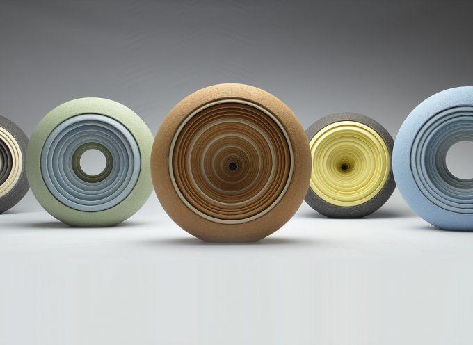Le ceramiche ipnotiche di Matthew Chambers
