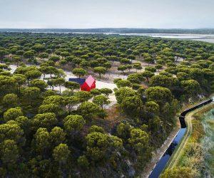 La casa rossa nel bosco