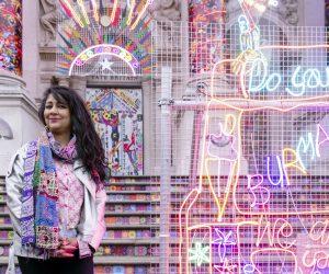 Tate Britain illuminata dall'installazione di Chila Burman