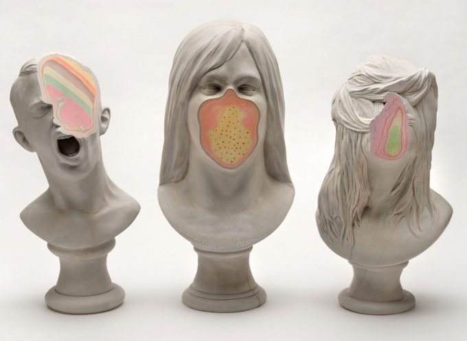 Unmet, il colore dietro le sculture